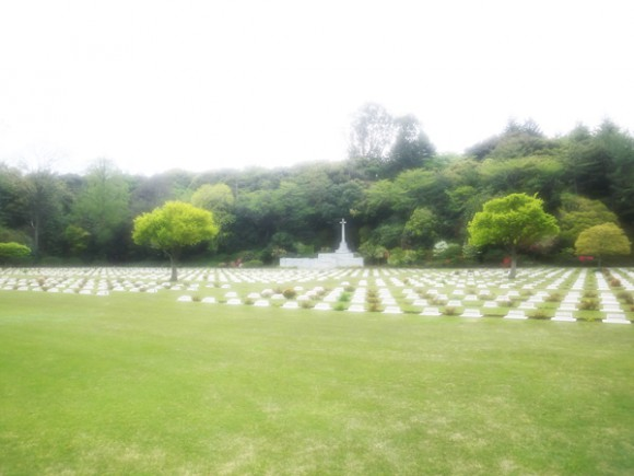 英連邦横浜戦死者墓地