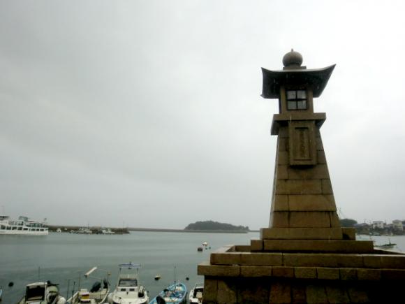鞆の浦のシンボル・常夜灯です。