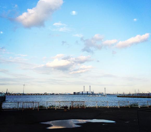 これは横浜の空