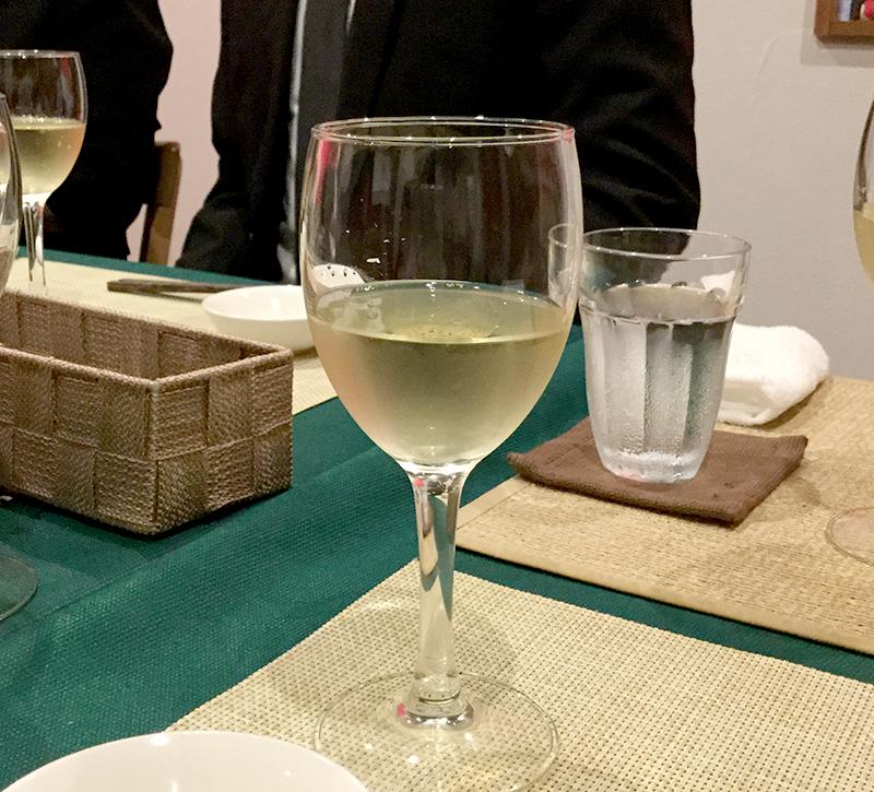 Iさんおすすめのイタリアンレストランで献杯。